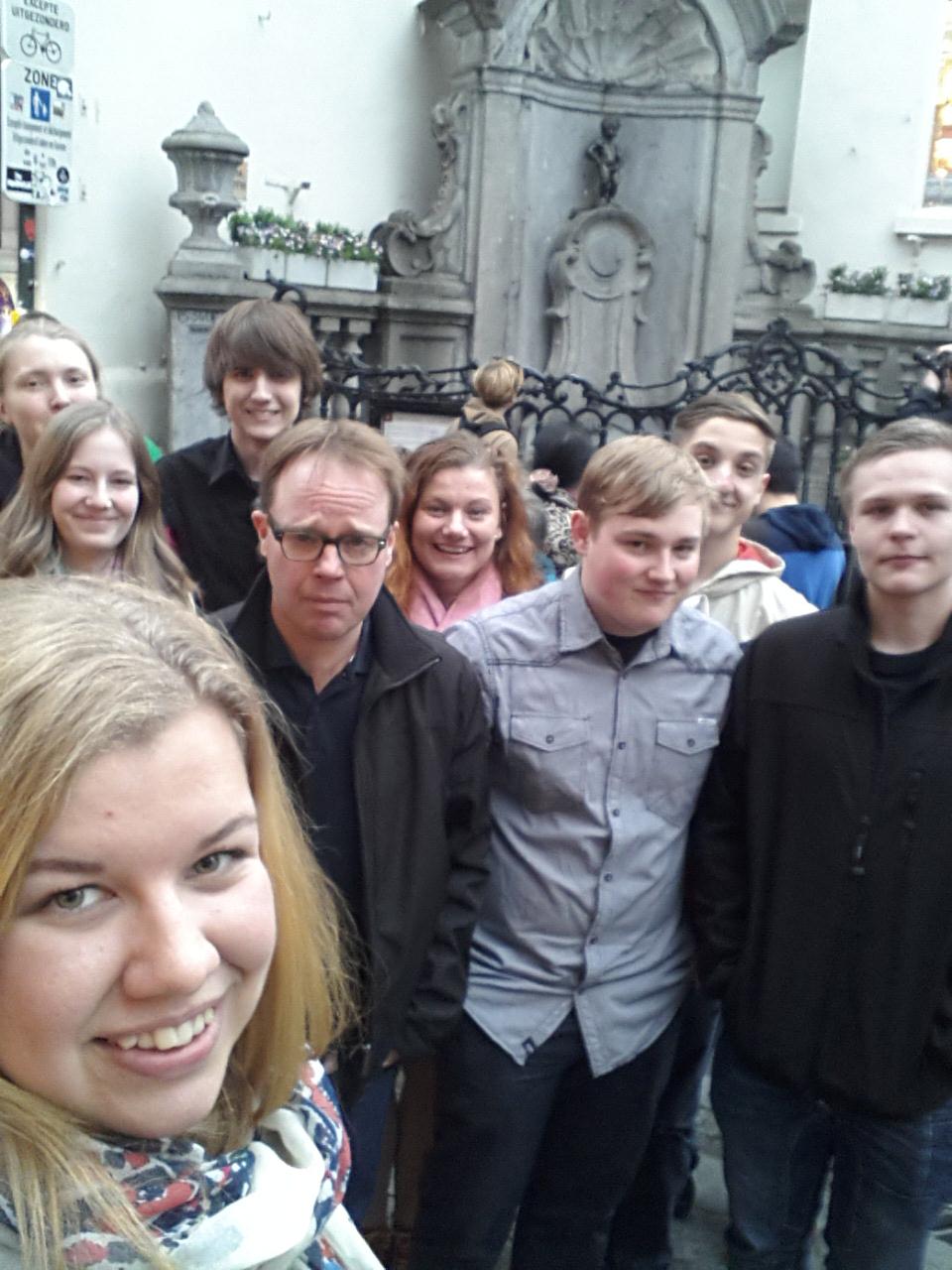 Selfie framför Manneken Pis